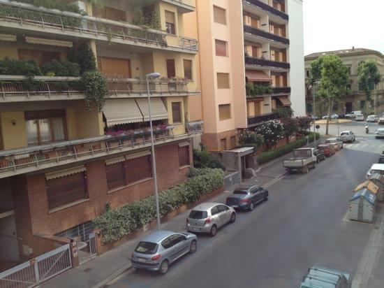 Hotel Della Robbia: Exterior del hotel ventana