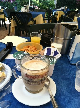 Residence Sunbay & Hotel Baia Del Sole : Un Cafe Latte