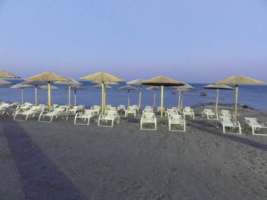Atrium Prestige Thalasso Spa Resort and Villas : plage aménagée