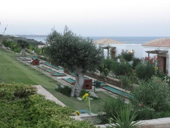 Atrium Prestige Thalasso Spa Resort and Villas : mini golf