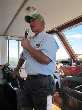Grand Teton Lodge Company Lake Cruise : First Mate Tony