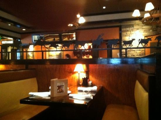 LongHorn Steakhouse : Very Clean