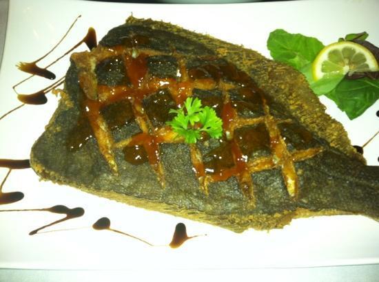 Saphron Restaurant at the Old Field  House: flounder w/apricot glaze