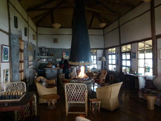 ‪‪Virunga Lodge‬: Main room/bar‬