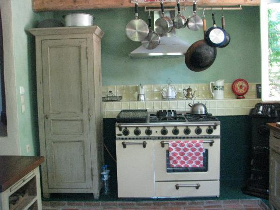 Zakspitaki B&B: Kitchen in Jacaranda