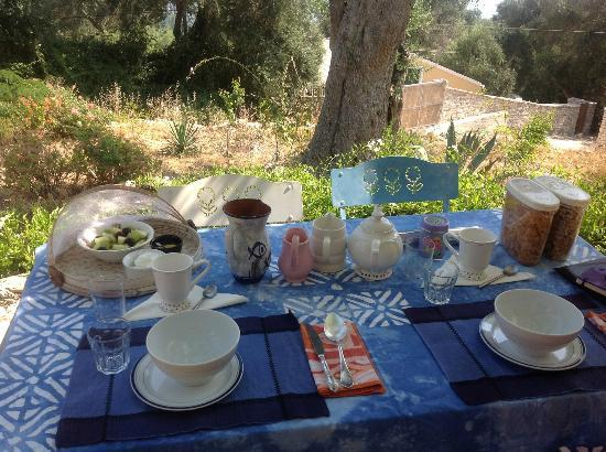 Zakspitaki B&B: The breakfast