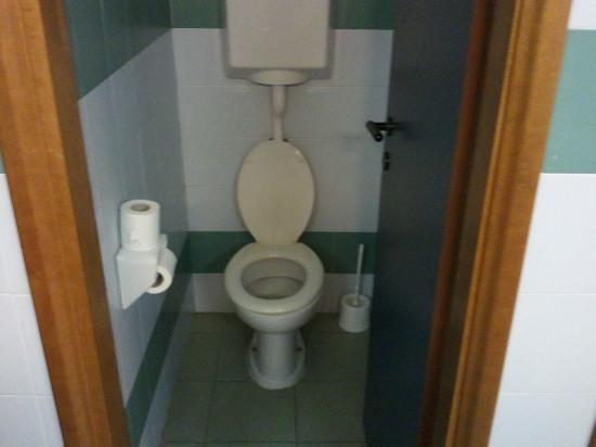 Hostel Dante-Ravenna : Toilet
