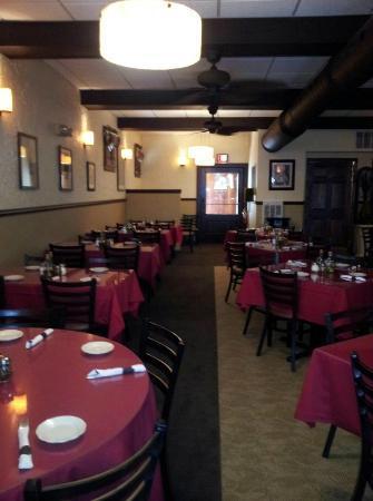 Cacciatore's: Dining Room