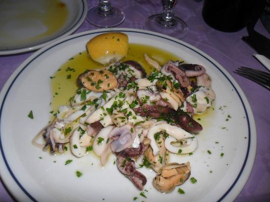 Trattoria La Botte: antipasto di mare ... pesce che galleggia nell'olio di pessima qualità...