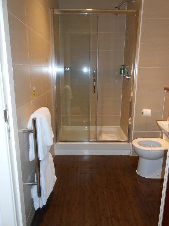 فاونتن كورت - ستيوارت أبارتمنتس: Bathroom 