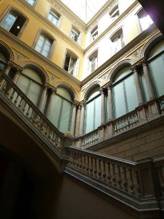 كاتالونيا بورتال دو لانجل: Courtyard/View from lobby 