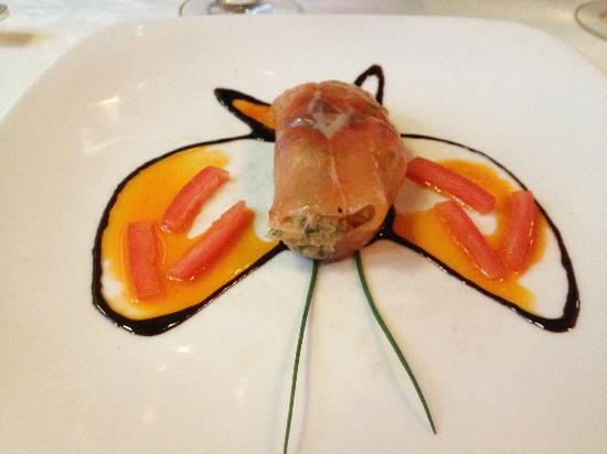 Restaurant La Cremaillere : Salmon Tartar: It's a bat that I would flap my wings for.