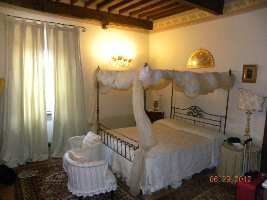 Relais Villa Baldelli: Our room