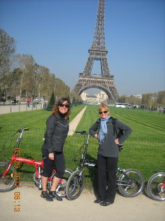 Paris Small Bike Tours: La Torre de Fondo