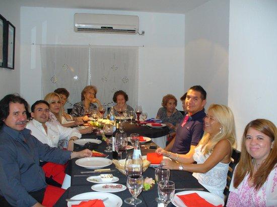 Coco's :                   Cenando con amigos