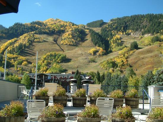 The Prospector Condominiums : Fall