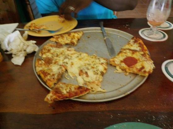 Pizza Bob's: delicious
