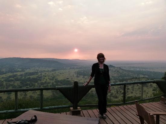 Soroi Serengeti Lodge: Smokey sunset over the Serengeti from deck
