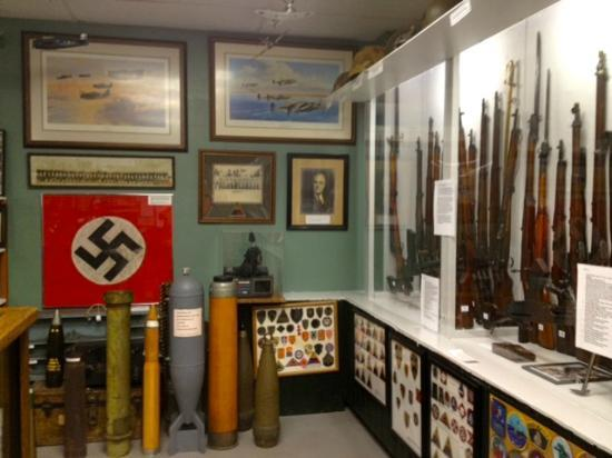 Military Heritage Museum: GUNS DISPLAY