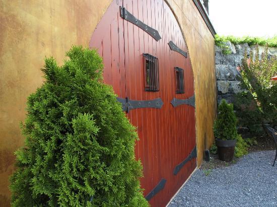 Anyela's Vineyards: Winery