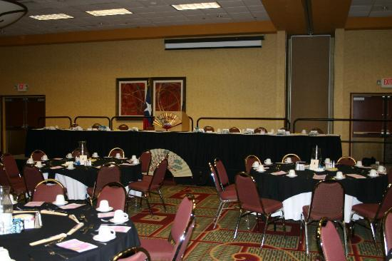 Holiday Inn Beaumont Plaza: Banquet room