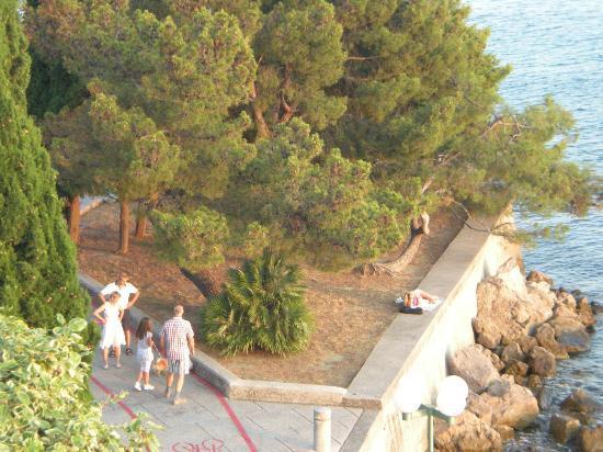 Vile Park: passeggiata lungo mare