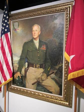 ‪‪Patton Museum of Cavalry and Armor‬: Painting of Patton