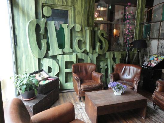 The Circus Hostel: o aconchegante lobby