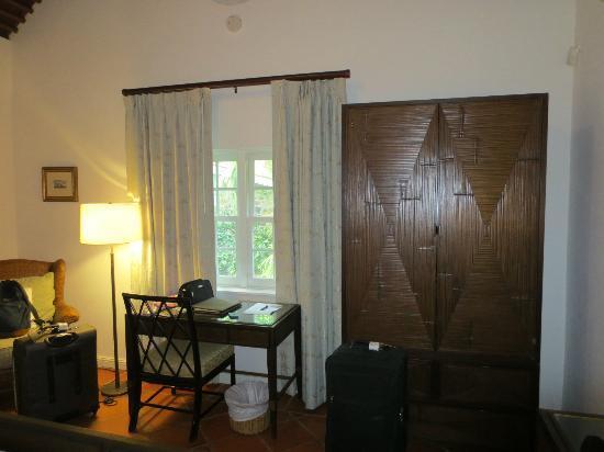 East Winds: deluxe room