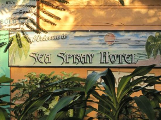 Seaspray Hotel: hotel sign