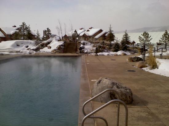‪تريلهيد لودج باي ستيم بوت ريزورتس: Trailhead Lodge Pool, Steamboat Springs‬