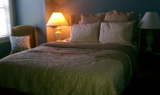 Agustin Inn: Imperial Queen Bed