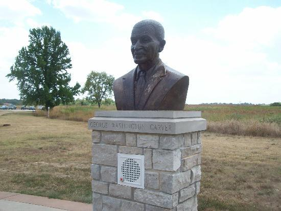 Diamond, MO: Bust of George Washington Carver