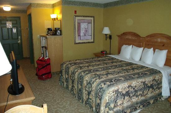 Country Inn & Suites By Carlson, Fort Dodge: Room 216