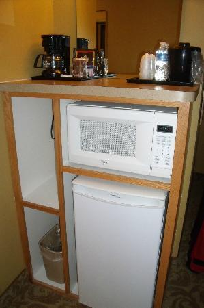 Country Inn & Suites By Carlson, Fort Dodge: room 216; fridge, microwave, coffee maker