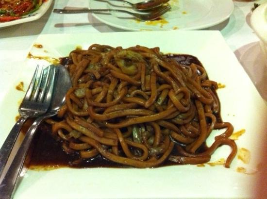Batam View Beach Resort: Hokkien Mee from Kelong Restaurant