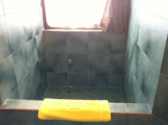 Batam View Beach Resort: Bathtub oversee the sea