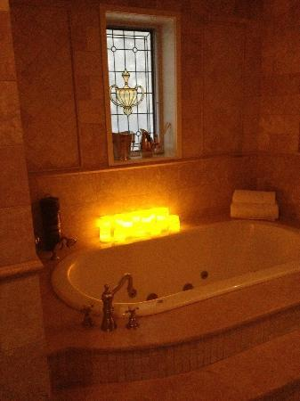 Villa D'Citta: great tub