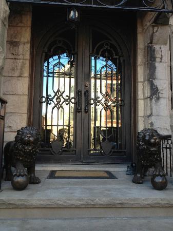 Villa D'Citta: front door