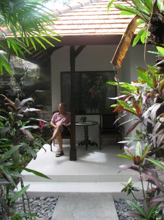 Taman Harum Cottages: Relaxing on the deck of the family villa