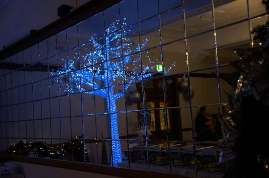 The Robertson Hotel: Dining Room - reflection of decorations in dining area 