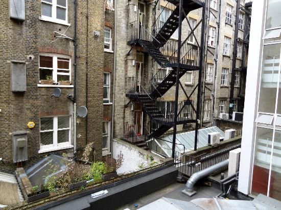 YHA London Central: view from our room