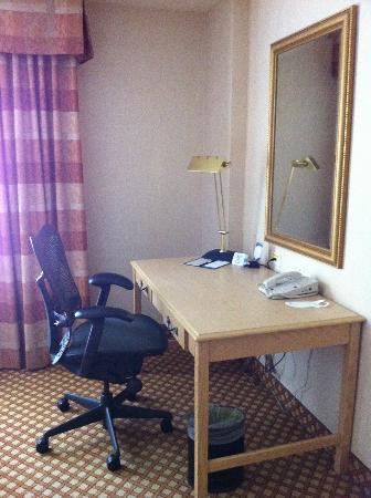 Business Desk With Internet Bild Fr N Hilton Garden Inn Mountain View Mountain View Tripadvisor