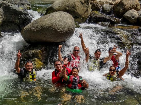 Cardona Watersports: Natural Jakuzzi