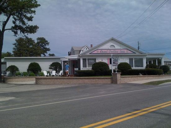 Sand Dollar Inn and Lily's Restaurant: Sand Dollar Inn