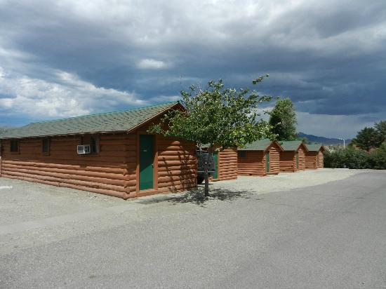 Buffalo Bill Cabin Village: Manque de verdure ?