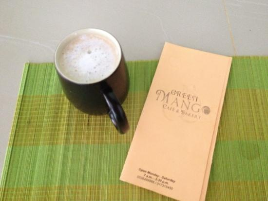 Green Mango Cafe and Bakery: latte and menu