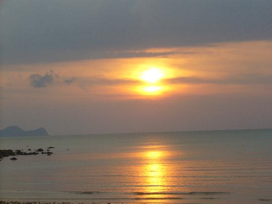 ダマイ ビーチ リゾート, ダマイビーチの夕陽