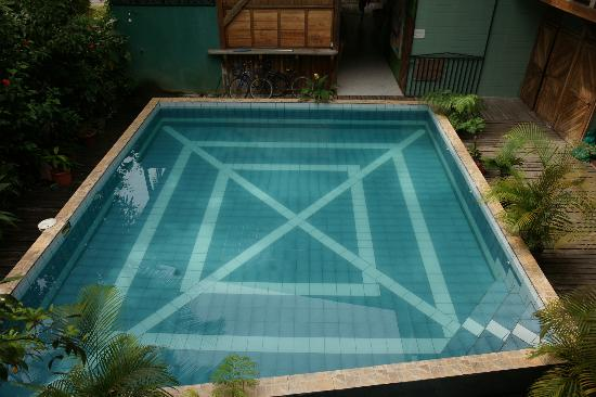 Lizard King Hotel Resort: Great Pool - Cleaned every morning!