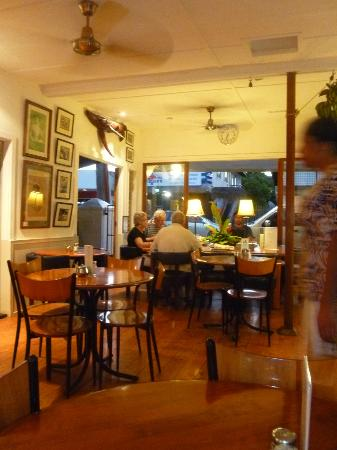 Friends Cafe: Evenings at Friends